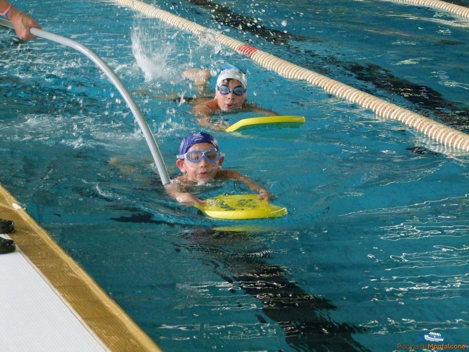 Saggi di scuola nuoto piscina di monfalcone - Nuoto in piscina ...